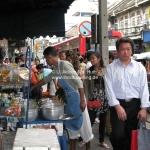 Straßenverkäufer in Bangkok / Thailand