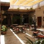 Im XVA Art Café im Bastakia Viertel