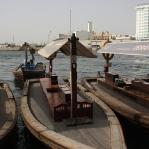 150 Abras fahren täglich ca. 15.000 Gäste kreuz und quer über den Dubai Creek