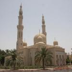 Die Jumeirah Moschee, das ist die einzige Moschee in Dubai die man zu bestimmten Zeit als Nichtmoslem besichtigen darf