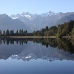 Mirror Lake Matheson mit der Spiegelung des Mt. Tasman und Mt. Cook