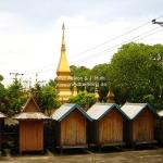 Kleine Novizenhütten im Wat in Luang Prabang / Laos