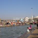 Alle waschen im Fluss in Nasik