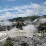 Es brodelt und dampft aus allen Ritzen im Whakarewarewa Thermal Village in Rotorua...