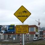 Heftiges Verkehrsschild am Hafen von Wellington