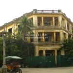 Interessantes Gebäude während unserer Architektur Tour durch Phnom Penh / Cambodia