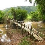 Eine Bambusbrücke
