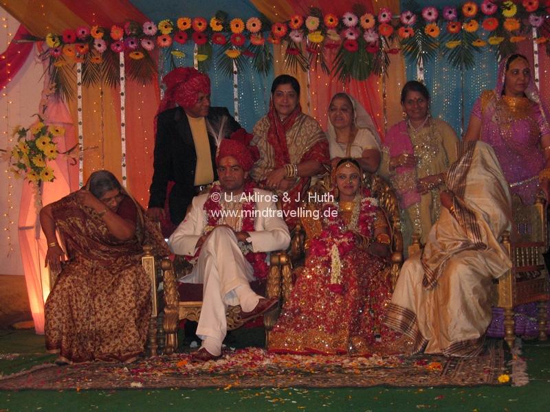 Familienfoto: Indische Hochzeit