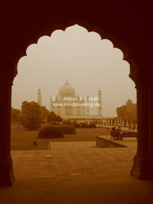 Das Taj Mahal in Agra in Sepia