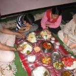 Essen mit Shan's Familie
