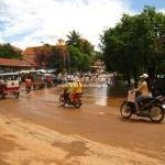 Überschwemmte Straße in Siem Reap / Cambodia