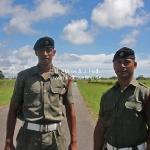 Die Guards des Königs posieren vor dem Palast des Königs