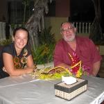 Schnull und Hans, der vor 20 Jahren nach Tonga ausgewander ist