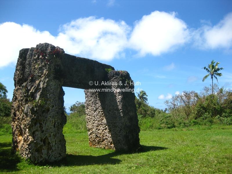 Dieses Tor ist 1200 Jahre alt und ist als das Stonehenge des Südpazifiks bekannt